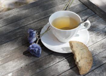 Pause thé accompagné d'un cookie au citron pavot de chez Anais Cookies & Cie